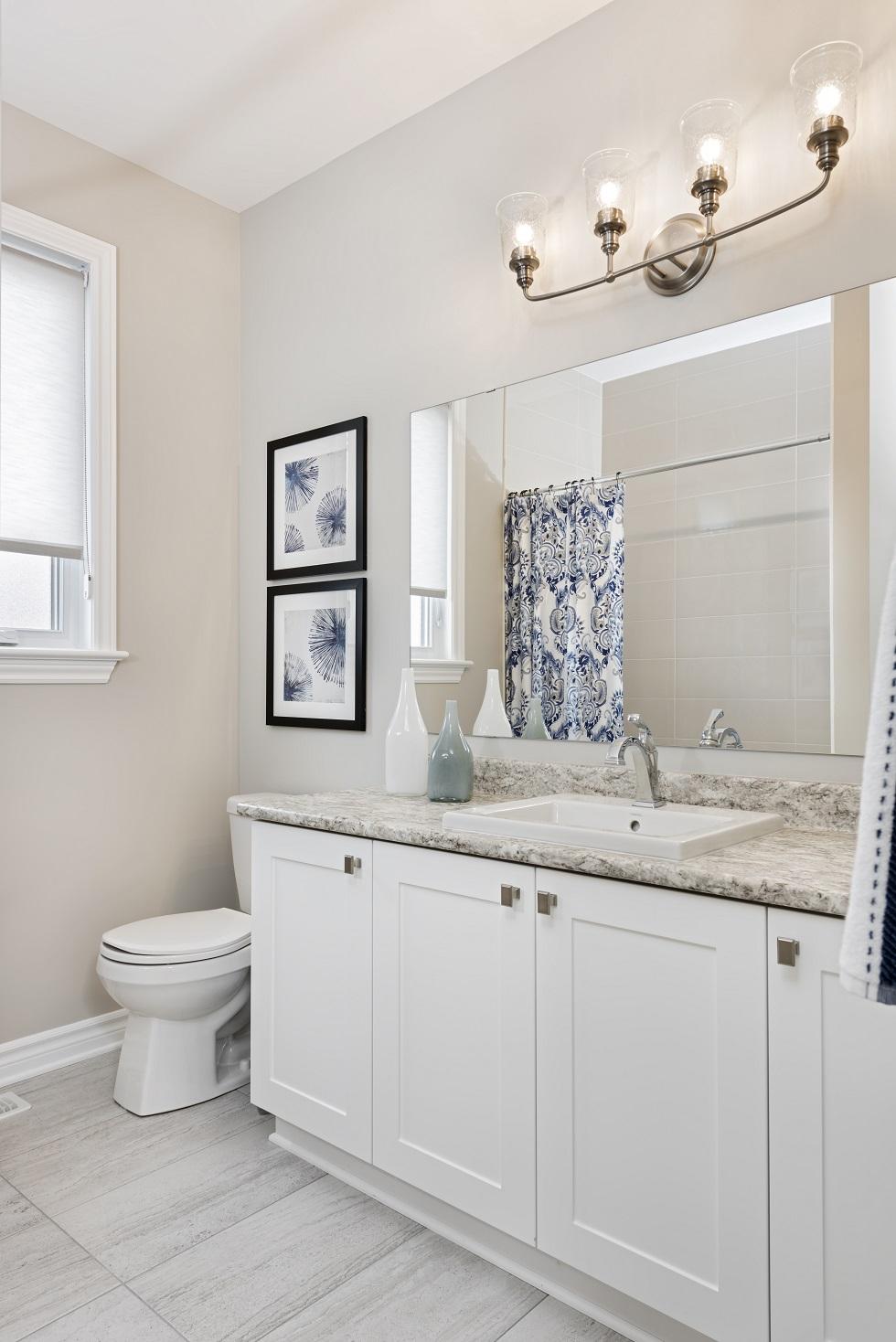 Tweed Main Bathroom